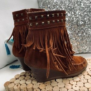 🎉MINNETONKA Moccasins 6.5M Brown Fringe WEDGES 🎉